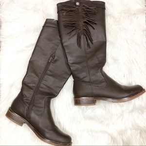 XOXO Brown Tassle Zip Up Boots Size 7.5M Shay